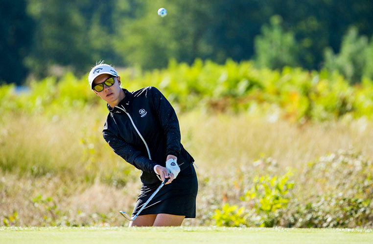 Open de France R1 - Azahara Muñoz and Madelene Sagstrom carded a pair of five-under-par 66s in warm and sunny conditions to set the clubhouse lead