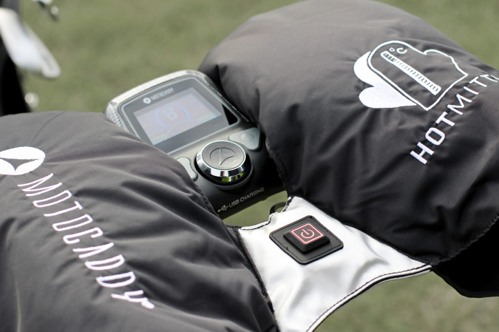 Motocaddy - winter golf - mittens added to accessories
