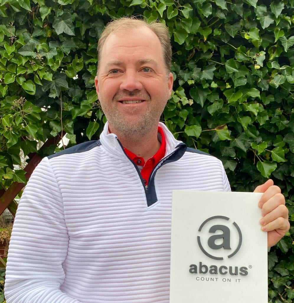 Swedish professional golfer teams up with Abacus Sportswear