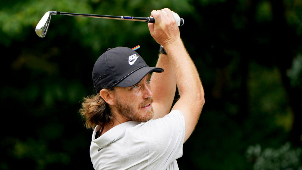 Northern Trust R1 - Tommy Fleetwood drops from first to 12th in final two holes