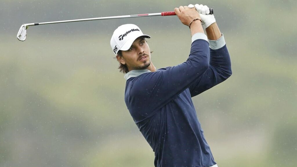 Open de Portugal R2 - Lopes retains narrow lead in weather-affected Open